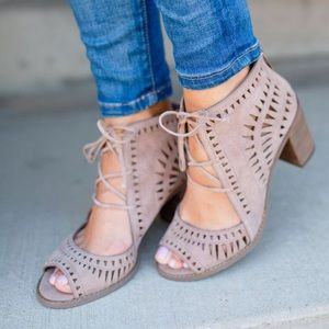 Vince Camuto Tarita Cut-out Lace Up Sandal